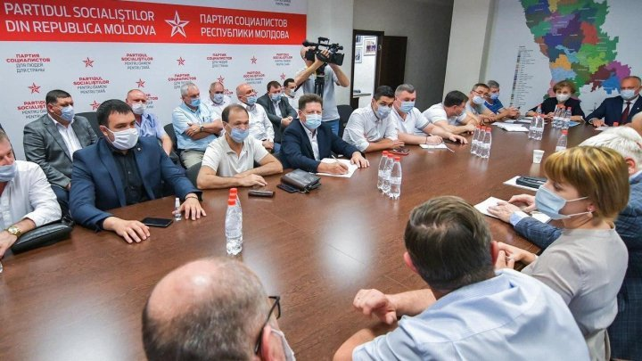 Socialist MPs sign declaration of support for Chicu Government