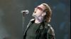 Bono, solistul trupei U2, a fost operat la coloană, după ce a suferit un accident