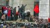 Simpatizanții lui Bakiev au luat cu asalt clădirea administraţiei locale din orașul Oș, Kîrgîzstan