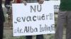 Proteste pe strada Alba Iulia: locuitori blocului 87 ar putea rămâne fără apartamentele pe care le-au procurat recent