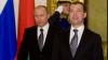 Vladimir Putin are de două ori mai mulţi susţinători, decât preşedintele Dmitri Medvedev