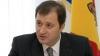 Premierul Vlad Filat cere ca pensiile să fie distribuite la domiciliu
