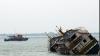 Cel puţin 11 oameni au murit, iar alţi 50 sunt daţi dispăruţi, după ce un feribot din Indonezia a luat foc