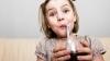 La ce boli sunt expuşi copiii care beau cola