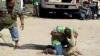 Un crocodil îl muşcă de cap pe dresor în timpul unui spectacol VIDEO