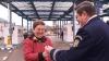 Agenţii de circulaţie vor oferi flori femeilor de la volan