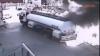 Gest eroic. Un bărbat a scos o maşină în flăcări dintr-o benzinărie în Turcia