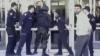 Jandarmi care nu pot deschide uşile... nici pe cele descuiate VEZI VIDEO
