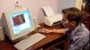 """De ani de zile, copiii plecaţi peste hotare le urează părinţilor un """"Paşte fericit"""" doar prin Internet"""