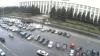 Şoferii cu maşini înmatriculate peste hotare au blocat traseul Chişinău-Leuşeni