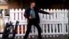 Un bătrân face senzaţie: Dansează ca la 20 de ani, pe muzică rock