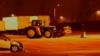 Un tractor fără şofer a făcut ravagii într-o parcare din Canada VIDEO