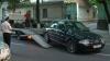 O maşină suspectă, parcată în faţa PLDM, ridicată de poliţie la cererea bodyguarzilor lui Filat VIDEO