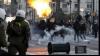 Atena: Zeci de protestatari au blocat intrarea în Ministerul de Finanţe