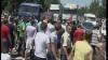 """Scandal la """"Calea Basarabiei"""": Peste 200 de comercianţi au blocat strada VIDEO"""