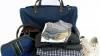 Femeile îşi iau în vacanţă de două ori mai multe bagaje decât ar fi nevoie, arată un studiu