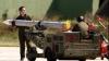 Zeci de focoase pentru rachete furate chiar sub ochii jandarmilor în România