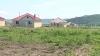 Familiile care au suferit în urma inundaţiilor din 2010 refuză să se mute în noile case