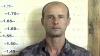 Un criminal înarmat se plimbă liber prin Moldova! Dacă-l vedeţi, sunaţi la poliţie
