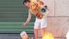 Un bărbat şi-a turnat benzină pe el, după care şi-a dat foc