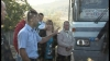 Veteranii din Puhoi îşi cer drepturile. Au blocat drumul din localitate pentru că nu li se permite să circule pe gratis