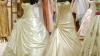 Sute de femei au luat cu asalt un magazin, în căutarea rochiei de mireasă