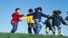 Joaca în aer liber are efecte benefice asupra vederii copiilor, studiu