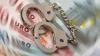 Reţinut pentru corupţie: Un funcţionar ar fi estorcat 900 de euro de la un locuitor al Capitalei