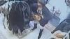 (IMAGINI VIDEO) Hoaţă inventivă: A ascuns haina de blană în... chiloţi. Cu umeraş cu tot!