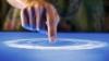 Windows 8 acceptă gesturi multitouch şi din trackapd