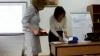 Directorul unei instituţii şcolare le cere profesoarelor să vină la ore în fuste