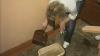 Inundaţi în plină iarnă: Locatarii de pe strada Tudor Vladimirescu s-au trezit cu apartamentele pline cu apă