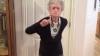 O bunicuţă de 90 de ani i-a adus un omagiu inedit cântăreţei Whitney Houston VIDEO