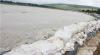 Peste 500 de case din satul Văleni riscă să fie inundate