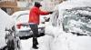 SFATURI: Ce să faci dacă te-a prins zăpada şi viscolul cu maşina