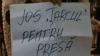 """Jurnaliştii protestează la învestirea în funcţie a lui Nicolae Timofti: """"Jos ţarcul pentru presă"""""""