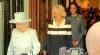 Regina Elisabeta alături de ducesele Cornwall şi Catherine fac shopping