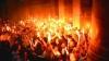 Lumina Sfântă, împărţită mai întâi politicienilor, apoi enoriaşilor