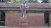 PNL susţine demolarea monumentelor lui Lenin: Sunt ramăşiţe din trecut