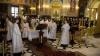 Merg la biserică când îi îndeamnă inima: DEPUTAŢII asistă la serviciile divine de câteva ori pe an