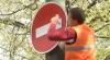 Iaca este, iaca nu-i! Indicatorul de pe strada Alexei Mateevici, care interzice circulaţia în ambele sensuri, demontat din nou