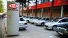 Parcarea KIA blocată de 20 de automobile (FOTO şi VIDEO)