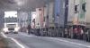 (VIDEO) Coadă de câţiva kilometri în Vama Leuşeni. Şoferii acuză vameşii că le cer MITĂ