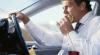 Studiu: Este mai periculos să mănânci la volan decât să scrii SMS-uri