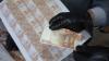 """""""Fabrică de bani"""". Trei africani falsificau euro într-un apartament din Capitală VIDEO"""