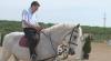 Chirtoacă pe cal: E suflet şi el, nu e prea plăcut când altul stă călare VIDEO