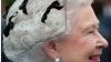 Regina Elisabeta apare goală pe un tricou FOTO