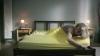 Mori de râs! Cum pune o blondă lenjeria de pat VIDEO
