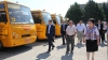 Anul de şcoală s-a încheiat, iar autobuzele pentru elevi încă se mai împart