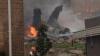 Un avion cu 150 de persoane la bord, prăbuşit peste o clădire, a provocat un incendiu